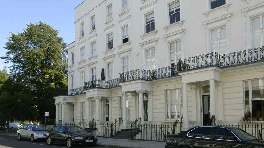 Notting Hill Gate W2 - Image 1