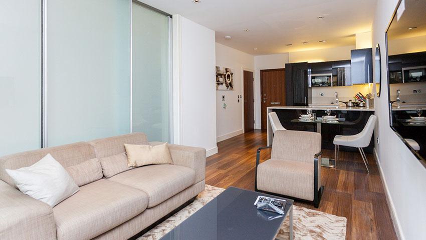 Flat 3, Belgravia Apartments, Dickens Yard - Image
