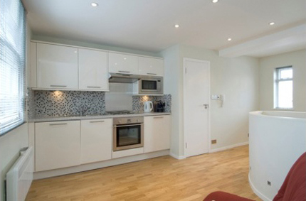 First Floor Flat, 285 Brompton Road - Image
